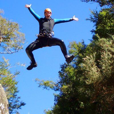 canyoning-jump-new-zealand