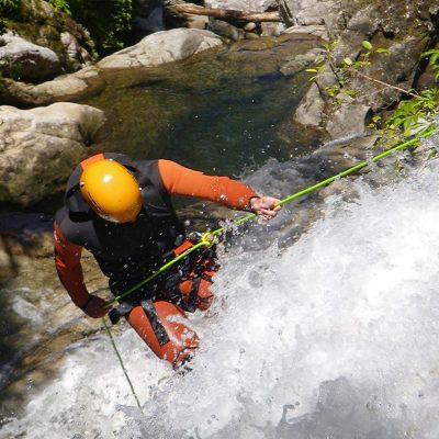 waterfall-creek-canyoning-abel-tasman-1